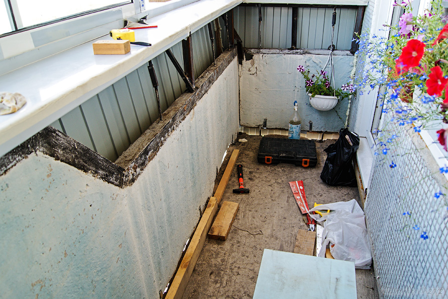 Отделка и утепление балкона своими руками