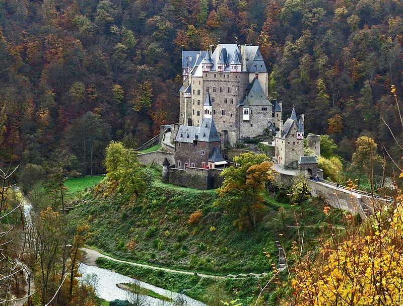 Замок Эльц, одна из жемчужин Германии