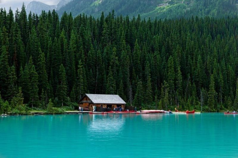 Изумрудное озеро, или озеро Луизы! Канада!