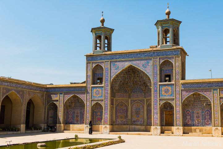 Розовая мечеть в Иране
