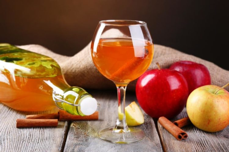 Настойка из яблок на спирту