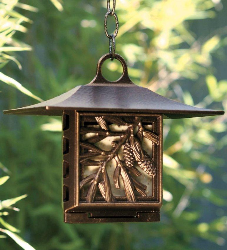 Кормушки для птиц в каждом углу вашего сада