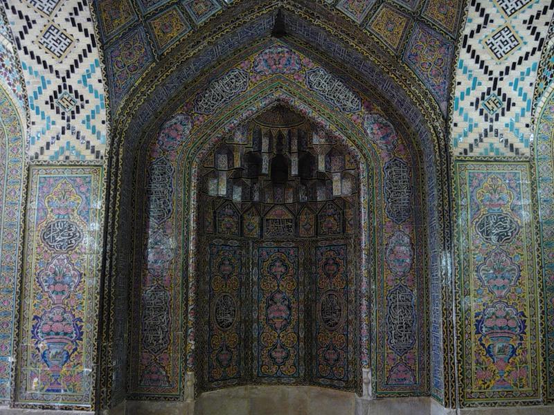 Мечеть роз, или Мечеть Насир-ол Молк в Иране16