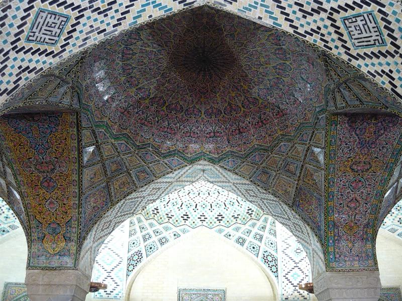 Мечеть роз, или Мечеть Насир-ол Молк в Иране17