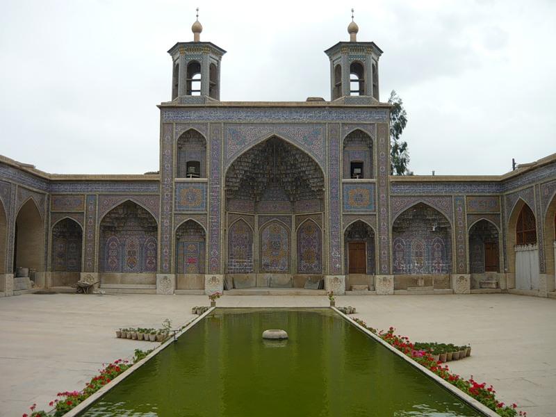 Мечеть роз, или Мечеть Насир-ол Молк в Иране2