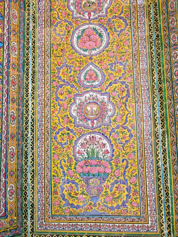 Мечеть роз, или Мечеть Насир-ол Молк в Иране24