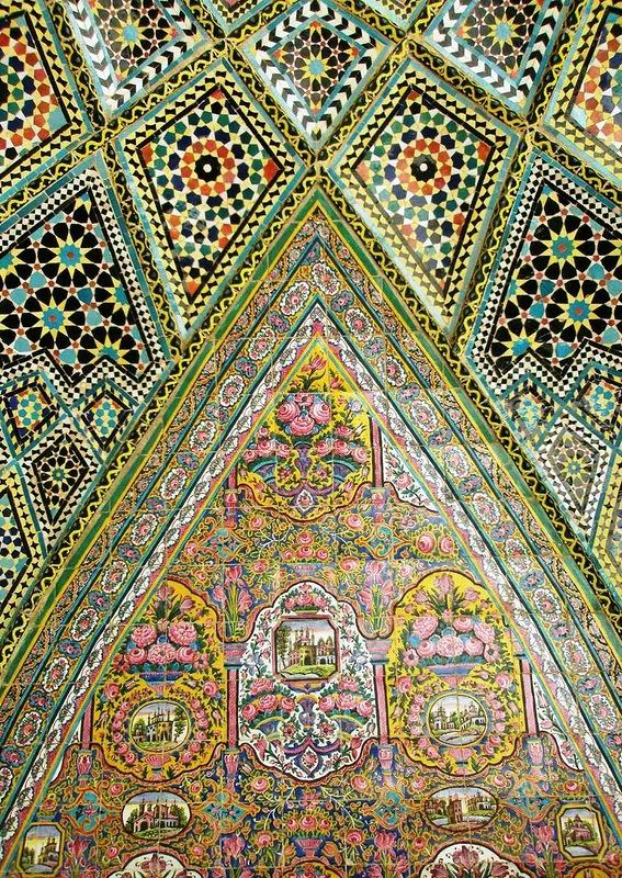 Мечеть роз, или Мечеть Насир-ол Молк в Иране25