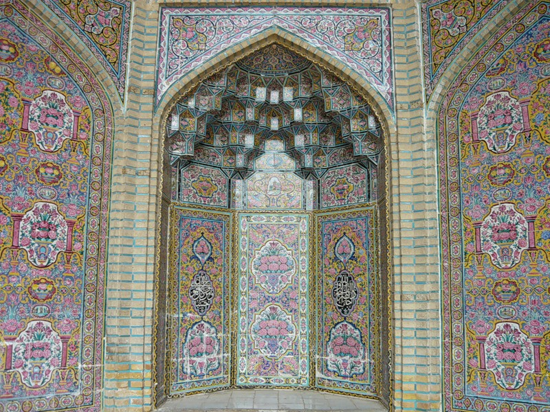 Мечеть роз, или Мечеть Насир-ол Молк в Иране4