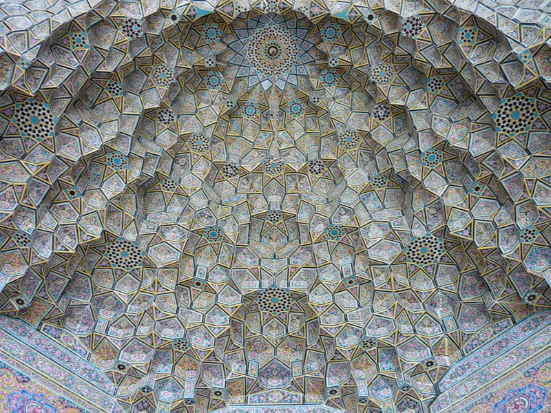 Мечеть роз, или Мечеть Насир-ол Молк в Иране5