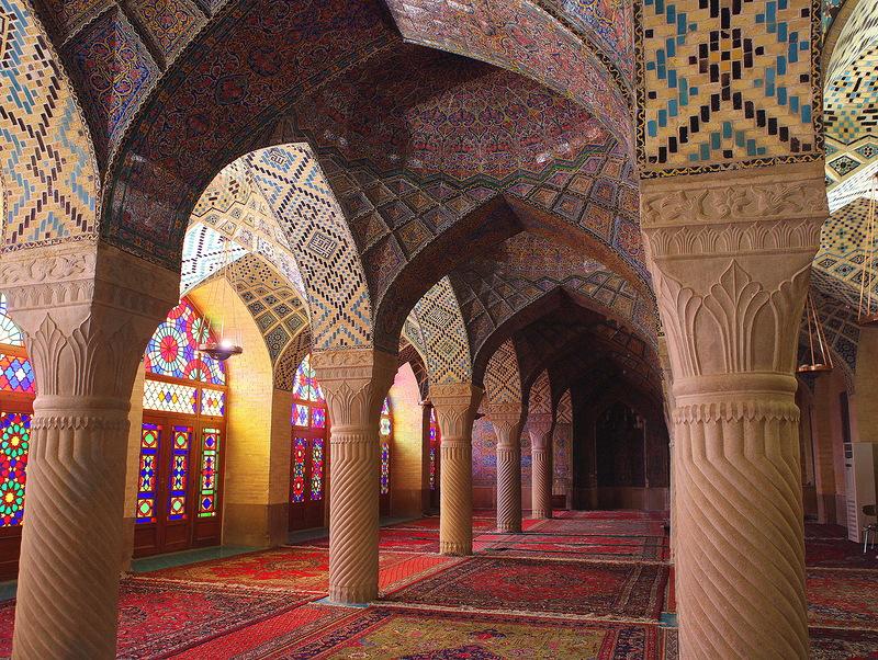 Мечеть роз, или Мечеть Насир-ол Молк в Иране7