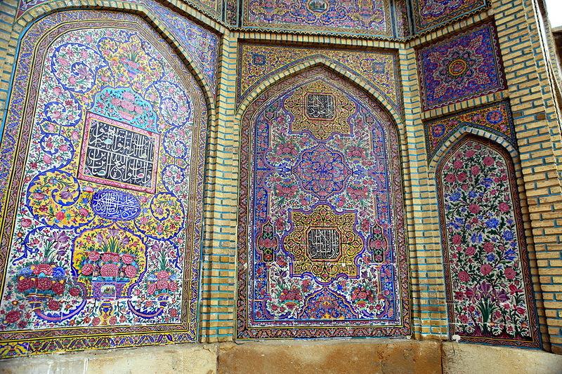 Мечеть роз, или Мечеть Насир-ол Молк в Иране8