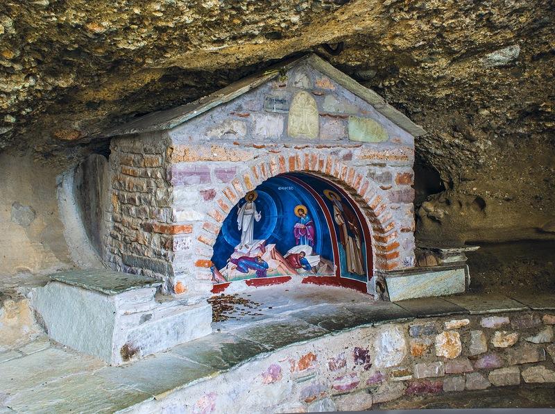 Часовенка при монастыре Мегало Метеори