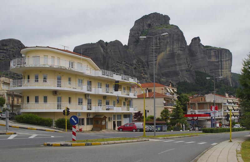 Каламбака - город в Греции