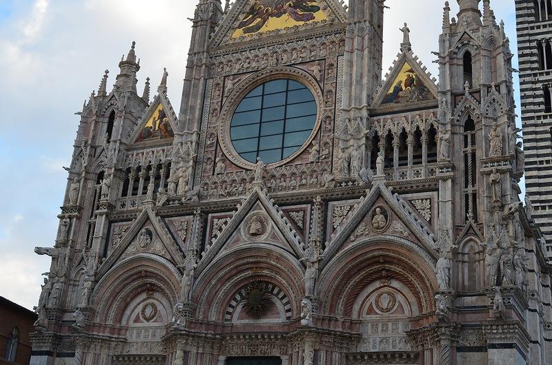 Сиена - красивейший город в провинции Тоскана