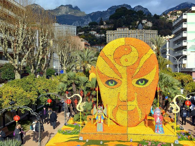Фестиваль цитрусовых в столице лимонов Ментоне