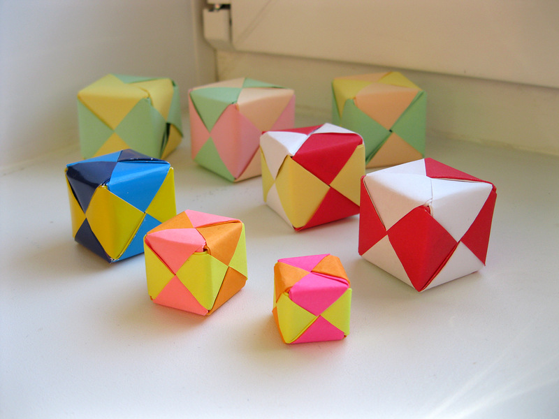 Кубики из модулей Sonobe Без клея. 6 модулей из квадратных листов бумаги. Кусудама - японское оригами