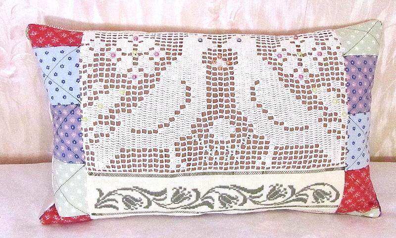 Красивые подушки-думочки