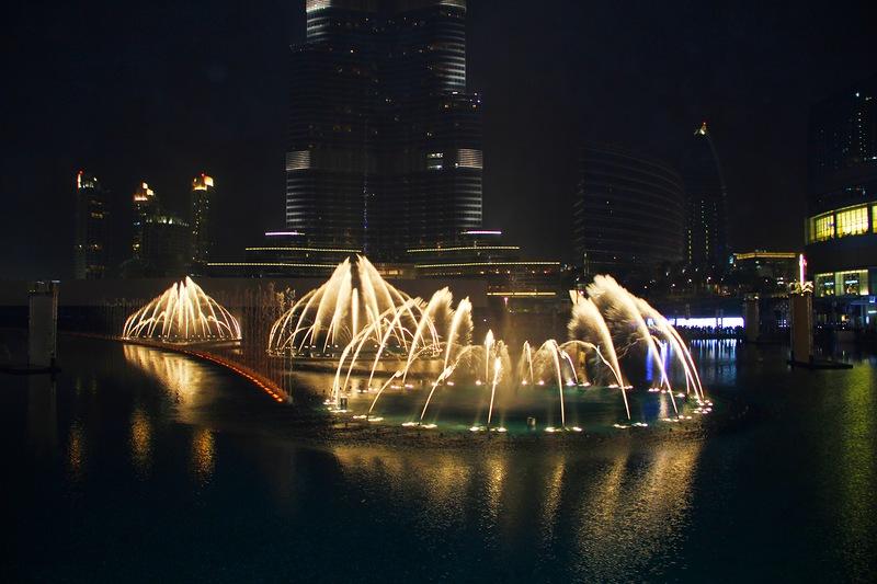 Поющие фонтаны в Дубае. Потрясающее зрелище! 2