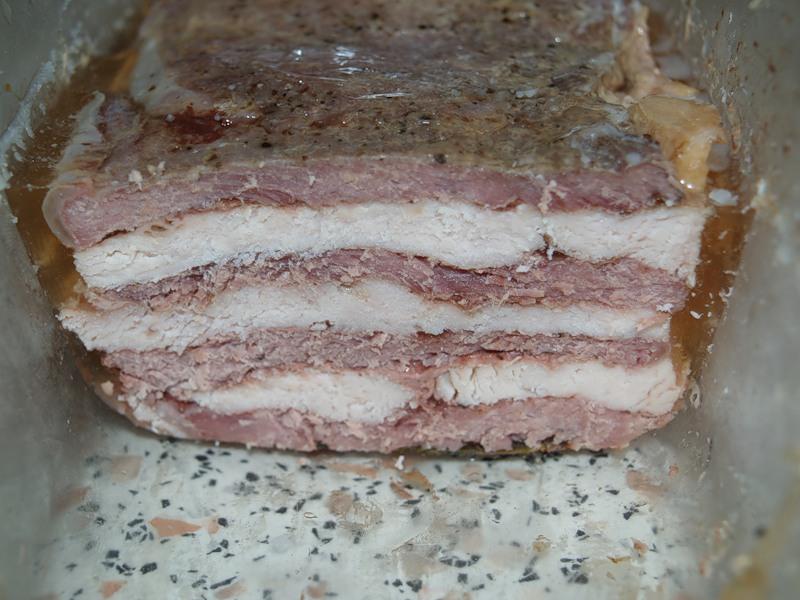Cлоеное мясо из стейков в духовке