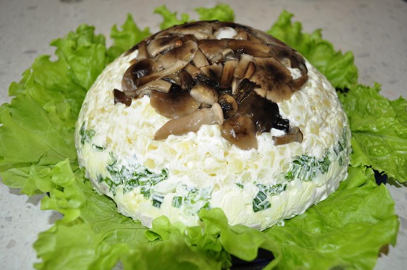 Салаты с грибами. Рецепты для праздников и будней!