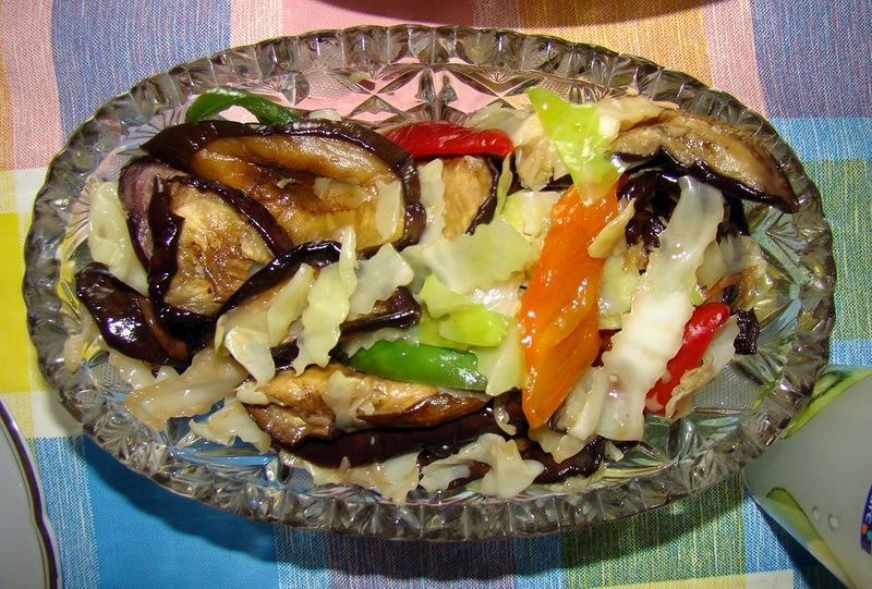 "Салат с баклажанами ""Яркий вкус"""