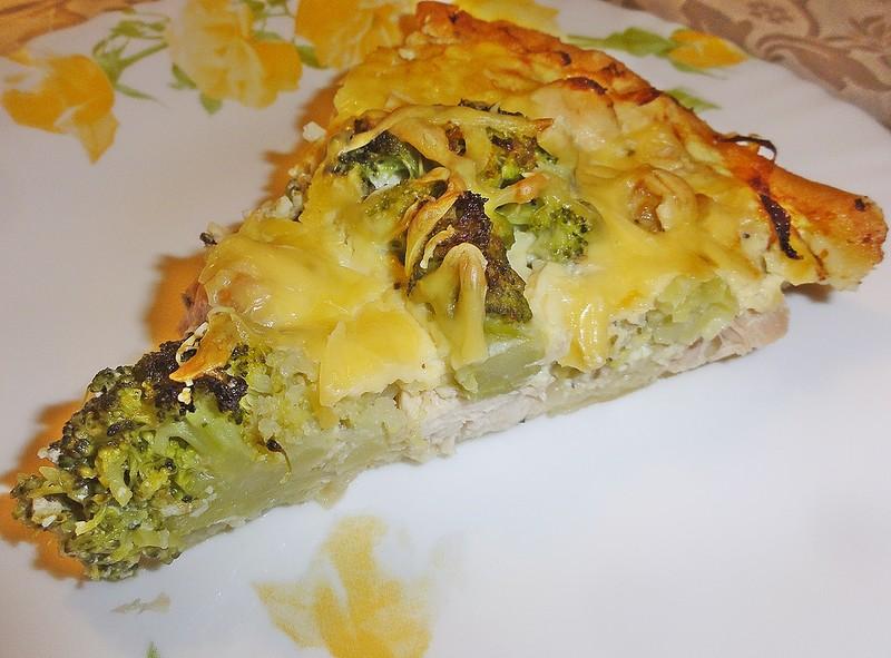 Пирог с курицей и брокколи